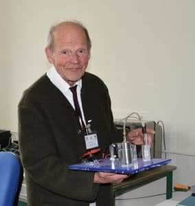 Prof. Jochen Lehmann with his first FC system from Warsitz, Sunnyvale, from 1994.