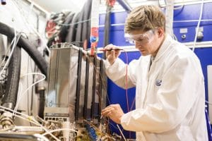 ZSW Testing a 95-kilowatt fuel cell suitable for vehicle integration